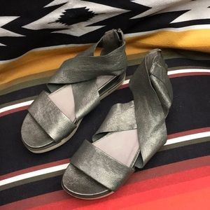 Eileen Fisher silver leather sandals size 6